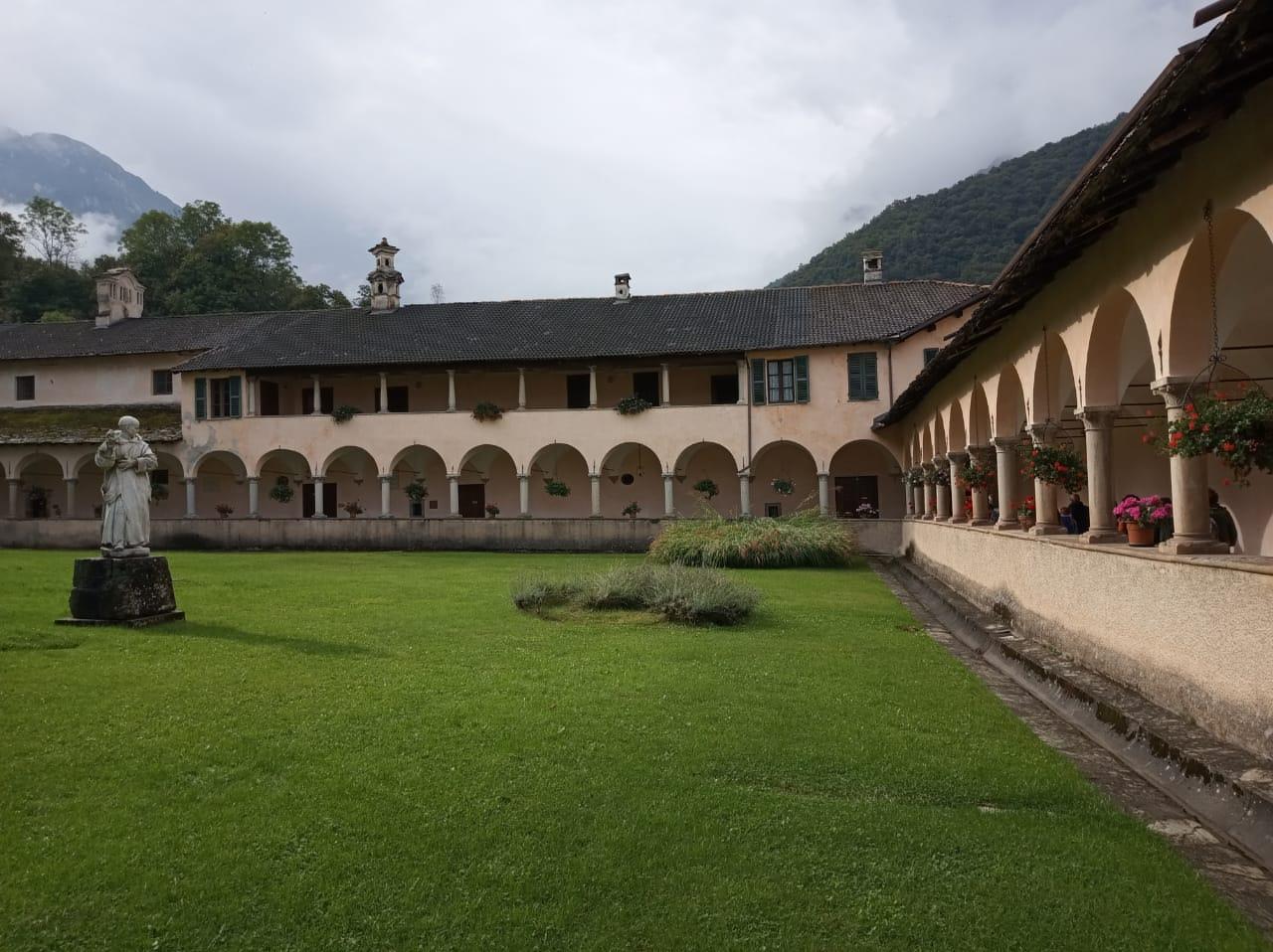 Dziedziniec klasztoru