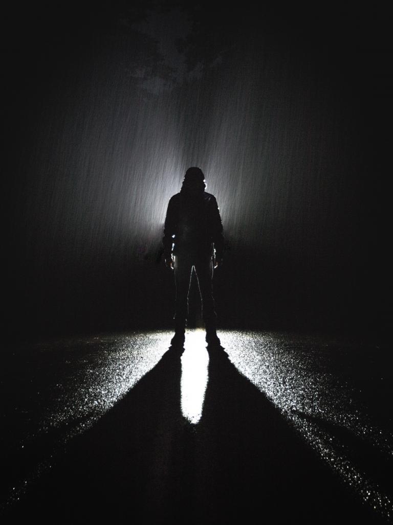 Człowiek w cieniu
